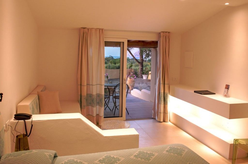 hotel-ollastu-olbia-sardegna-camera-vista-mare