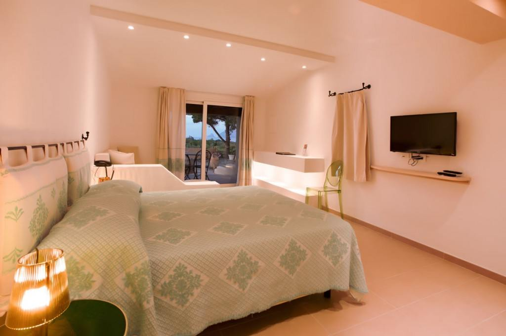 hotel-ollastu-olbia-sardegna-camera-vista-mare11